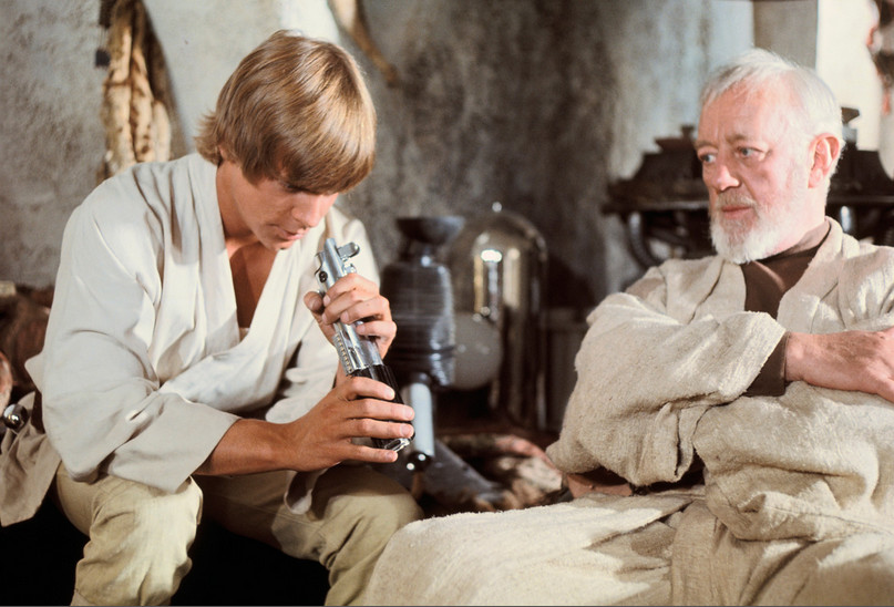luke-obiwan-peering-into-lightsaber